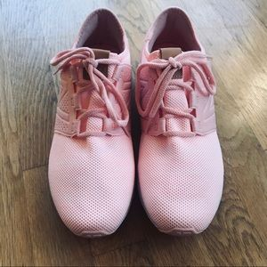 New Balance Shoes - Pink New Balace Tennis Shoes